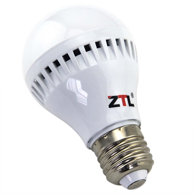 New Antioxidative Plastic housing E27 LED Bulb